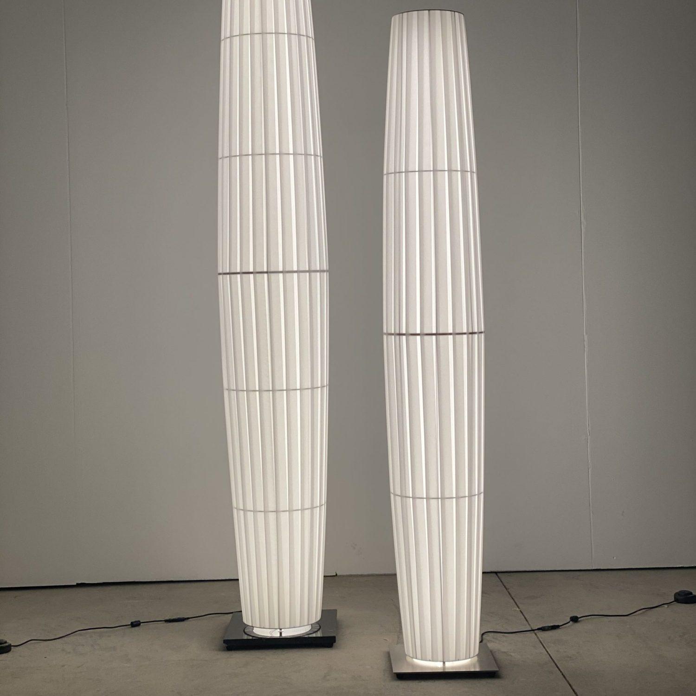 COLONNES LED 1.90m ref.H160 et 1.65m ref.H168